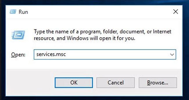 reimposta il servizio Win Hello per correggere la webcam compatibile non trovata